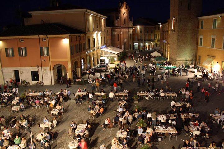 Vi aspettiamo stasera in Piazza!Il Bursôn in piazza a Bagnacavallo!  Si terrà sa…