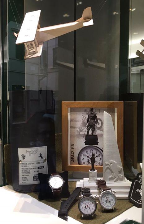 Nuova vetrina con orologio SPAD VII doppio fuso orario ghiera bianca o nera € 33…