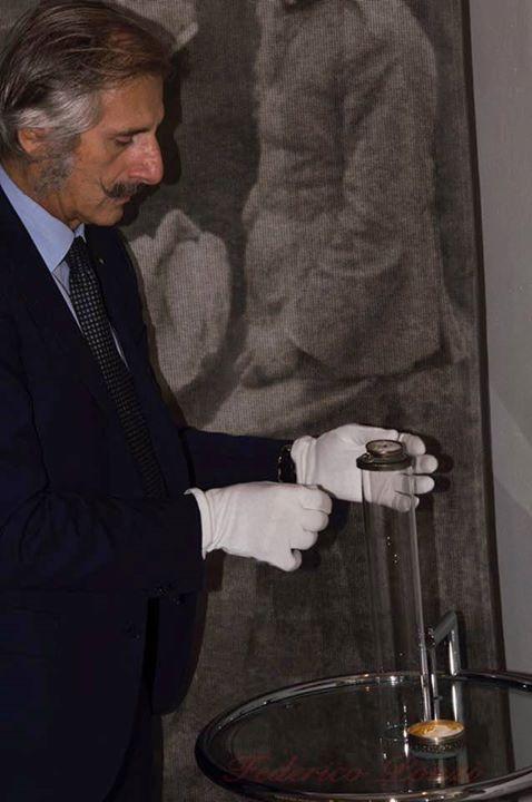 Apertura della teca contenente l'orologio di Francesco Baracca eroe della prima …